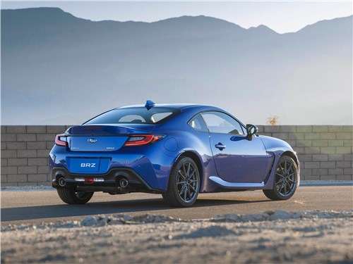 Subaru BRZ (2022) вид сзади