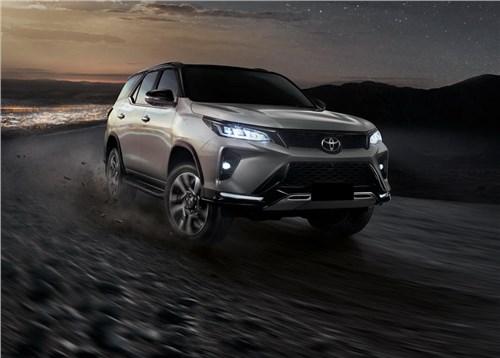 Новость про Toyota Fortuner - Toyota Fortuner скоро сменит поколение