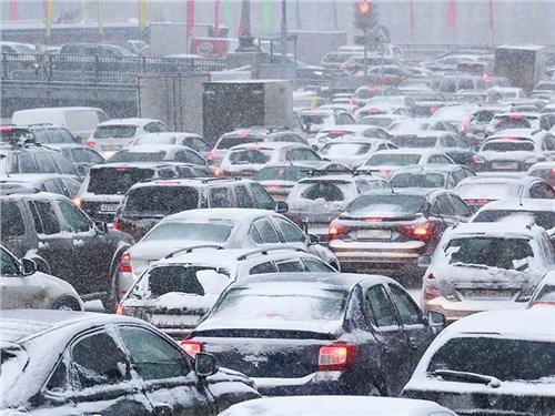 Российские дороги накроет снегопадом