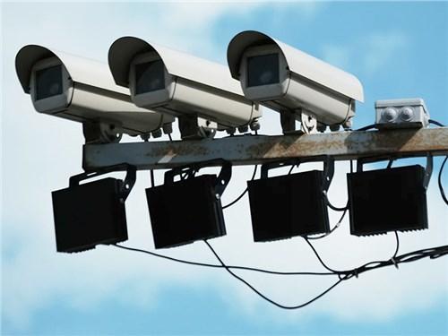 Названа степень эффективности дорожных камер