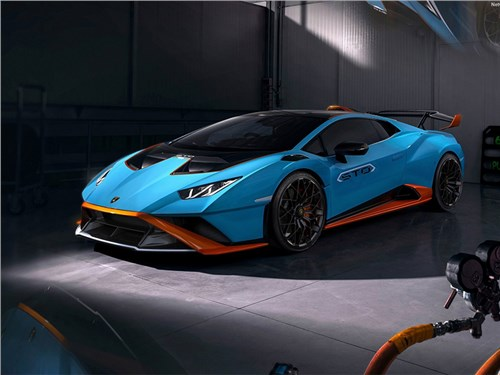 Новость про Lamborghini - В Lamborghini готовятся представить последний спорткар с V12