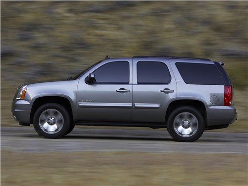 Сухопутные дредноуты (Chevrolet Tahoe, GMC Yukon, Cadillac Escalade, Ford Expedition, Lincoln Navigator) Yukon - GMC Yukon (2007) вид сбоку