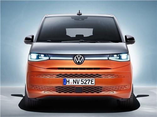 Volkswagen Multivan (2022) вид спереди
