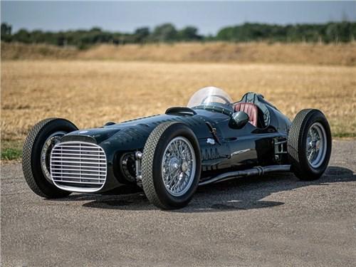 Британские энтузиасты воссоздали болид Формулы-1 пятидесятых годов.