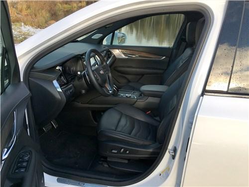 Cadillac XT6 2020 салон