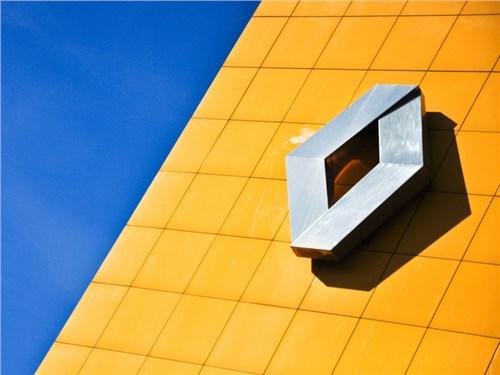 Продажи Renault в России просели на 2,6 процента