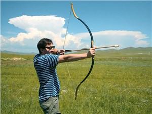 Приехал к конной статуе Чингисхана – можешь пострелять из лука