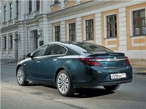Opel Insignia - Opel Insignia 2014 вид сзади