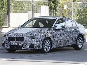 В Китае уже идут дорожные испытания нового седана BMW 1-Series