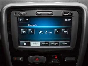 Renault Duster 2013 монитор компьютера