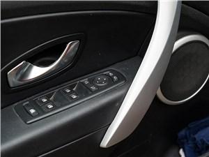 Renault Megane 2010 передние электростеклоподъемники