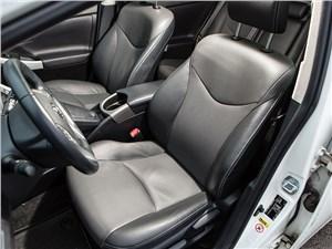 Предпросмотр toyota prius 2015 передние кресла