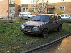 Москвичей будут активнее штрафовать за парковку на газонах