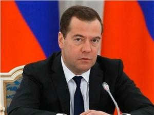 Медведев продлил программы господдержки авторынка на 2016 год