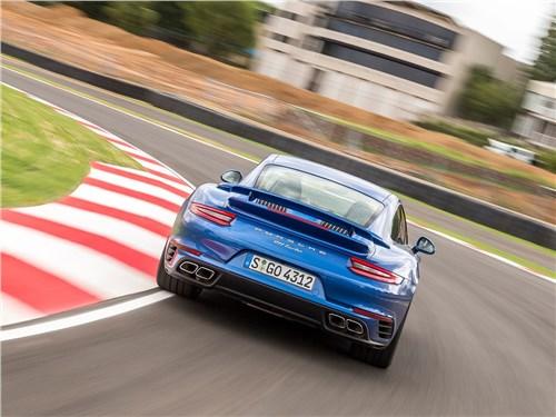 Предпросмотр porsche 911 turbo 2016 вид сзади