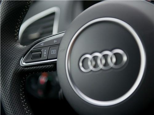 Audi Q3 2015 руль