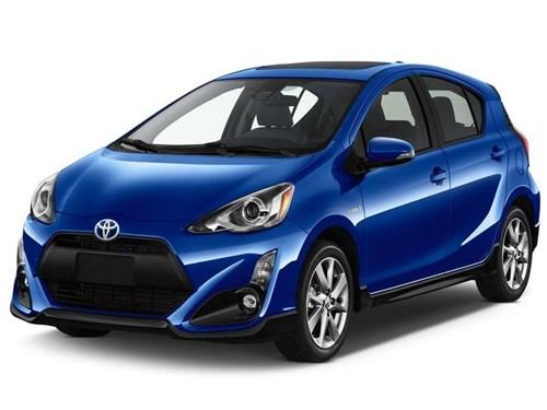 Toyota показала обновленный Prius C