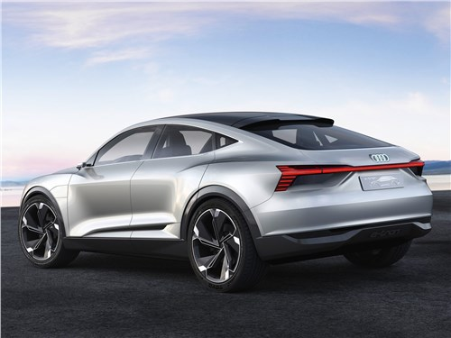 Предпросмотр audi e-tron sportback concept 2017 вид сбоку сзади