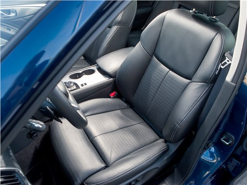 Infiniti Q50 2016 кресло водителя