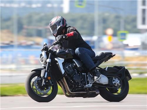 Honda CB1000R Neo Sports Cafe вид сбоку