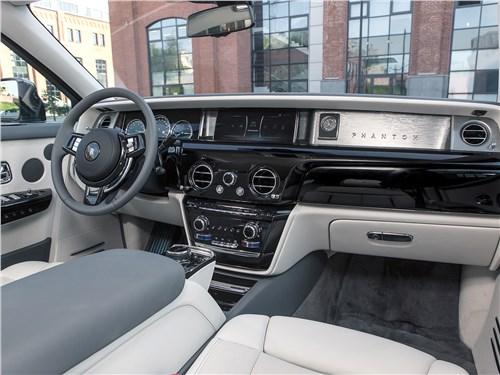 Rolls-Royce Phantom 2018 салон