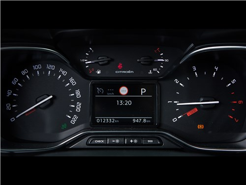 Citroen C3 Aircross 2018 приборная панель