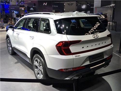 Новый Hyundai Santa Fe - идеал дактилоскопии