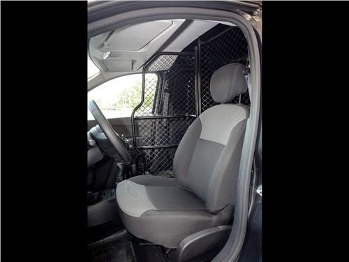 Renault Dokker 2018 кресла