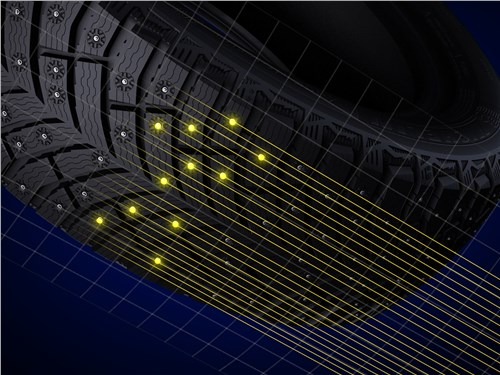 Многорядное размещение шипов в протекторе подбирается с помощью компьютерной модели