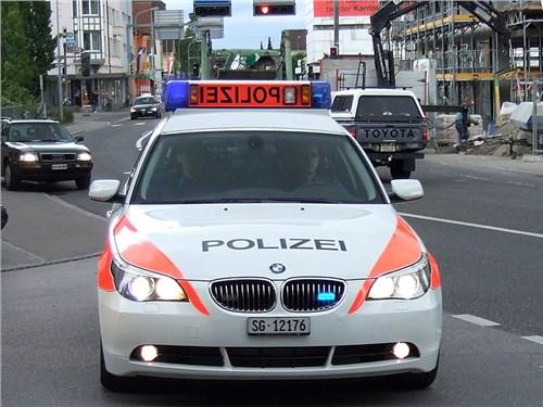 Полицейский получил штраф за превышение скорости