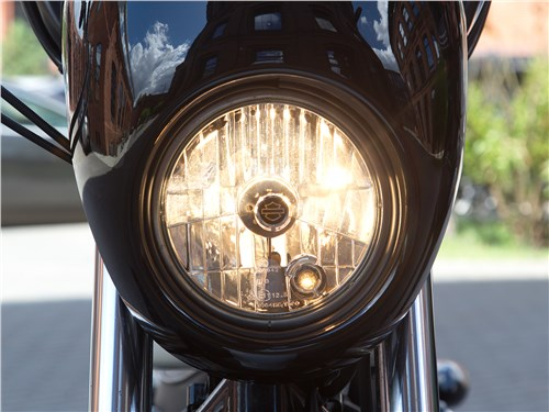 Harley-Davidson Iron 1200 фара