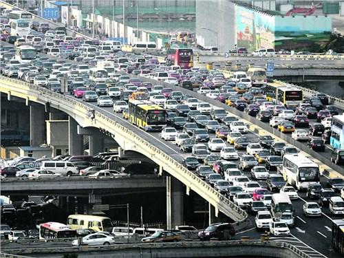 Китай запретит автомобили с ДВС