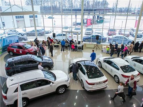 Со следующего года дилеры помогут регистрировать машины