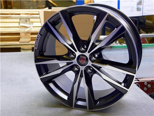 СКАД изготавливает колеса и для известных мировых брендов, в частности, MOMO и Alcar