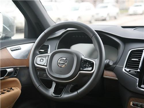 Volvo XC90 2020 руль