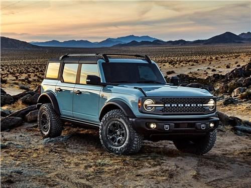 Ford Bronco 4-door (2021) вид спереди