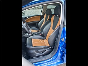 SEAT Leon FR 2012 передние кресла