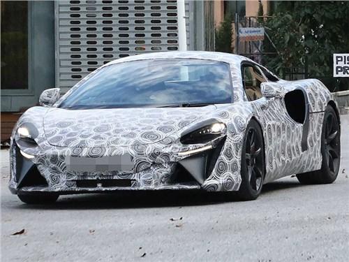 Новый гибридный суперкар McLaren заметили на тестах