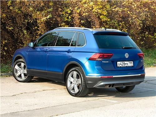 Volkswagen Tiguan (2018) вид сзади