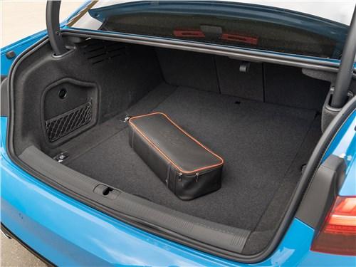 Audi A4 (2020) багажное отделение