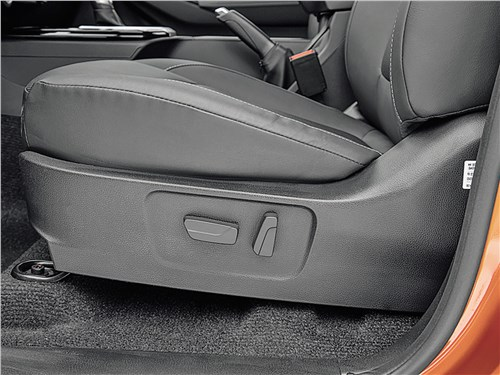 Предпросмотр isuzu d-max (2021) водительское кресло