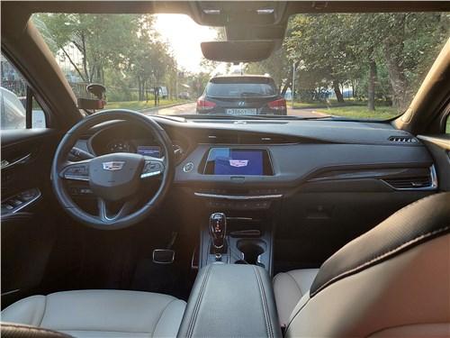 Cadillac XT4 (2019) салон