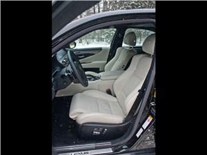 Lexus LS 600h F Sport 2012 передние кресла