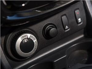 Nissan Terrano 2014 управление приводом