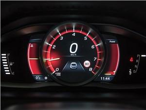 Volvo XC60 2014 приборная панель фото 3