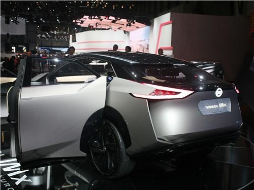 Nissan IMx Kuro вид сзади