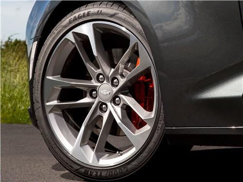 Chevrolet Camaro 2016 колесо
