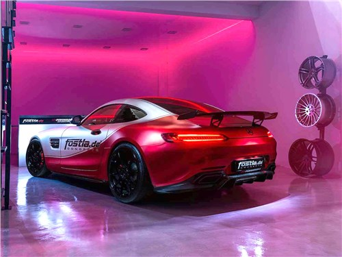 Fostla   Mercedes-AMG GT S вид сзади