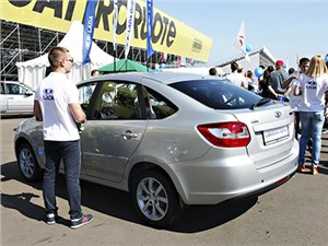 В Москве прошла презентация лифтбека Lada Granta
