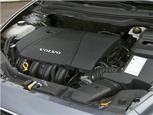 Volvo S40 2011 двигатель